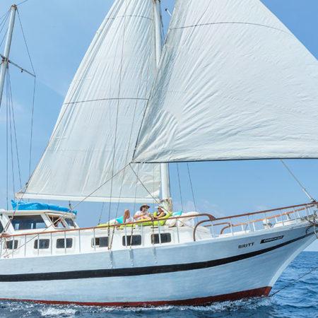 Luxury Sailing Komandoo Maldives
