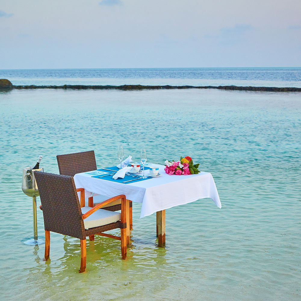 breakfast by the sea Komandoo Maldives
